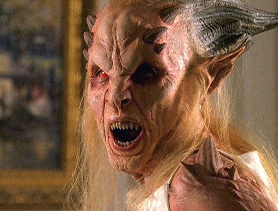 Hinter der gut aussehenden Jade D'Mon verbirgt sich die Göttin Hekate (Sara Rose Peterson). Sie ist auf die Erde gekommen, um ein Dämonenkind zu zeu... - Bildquelle: Paramount Pictures