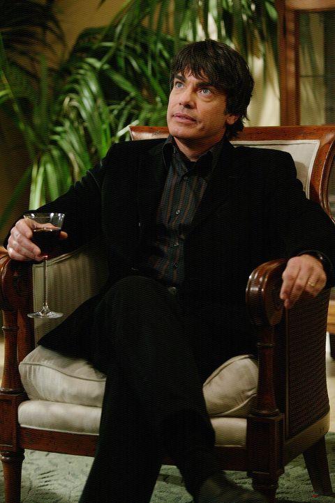 Hatte eigentlich eine andere Vorstellung vom Verlauf des Thankgiving-Essens: Sandy (Peter Gallagher) ... - Bildquelle: Warner Bros. Television