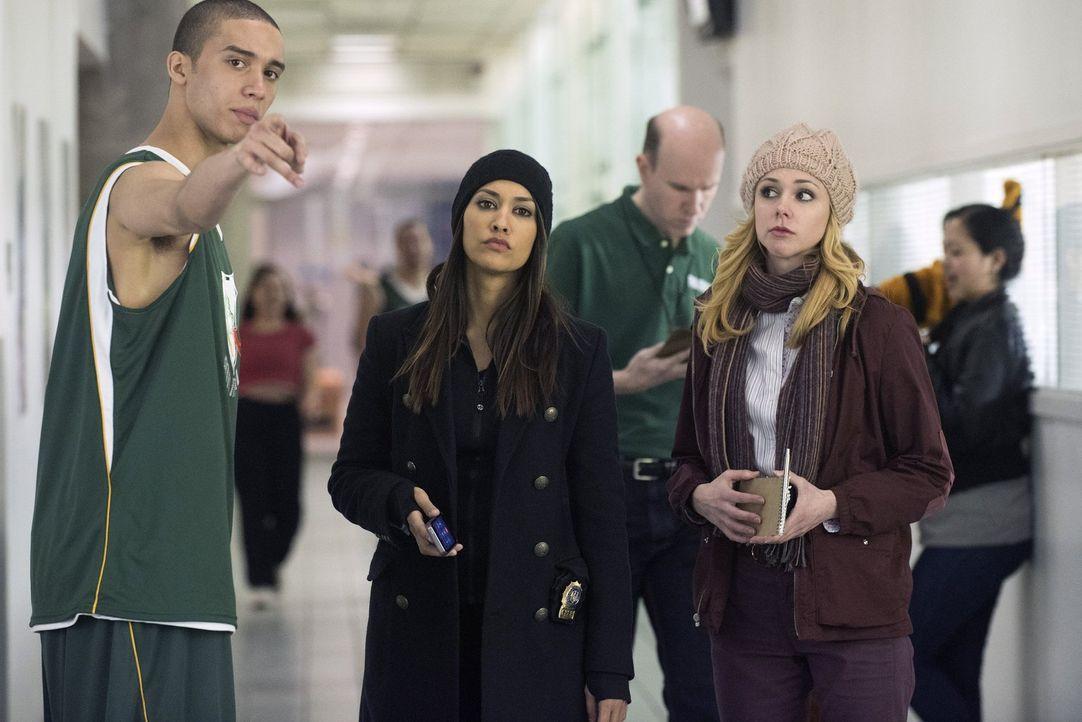 Auf der Suche nach einem Mörder: Meredith (Janina Gavankar, M.) und Frankie (Meg Steedle, r.) ... - Bildquelle: Warner Bros. Entertainment, Inc.
