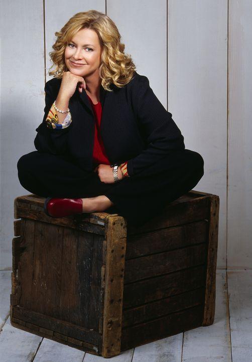(8. Staffel) - Annie (Catherine Hicks) sucht auch immer wieder Herausforderungen außerhalb der Familie. - Bildquelle: The WB Television Network