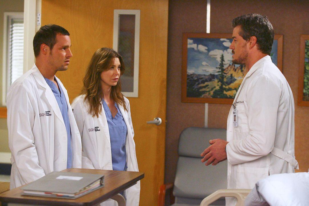 Mark (Eric Dane, r.) schikaniert weiterhin seine Assistenzärzte, doch Meredith (Ellen Pompeo, M.) und Alex (Justin Chambers, l.) nehmen verdutzt zu... - Bildquelle: Touchstone Television