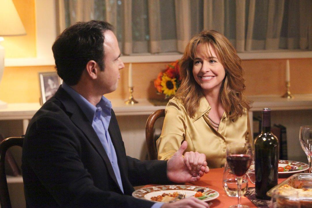 Möchten das noch ungeborene Kind von Julie adoptieren: Bill (Christopher Goodman, l.) und Debbie (Stephanie Erb, r.) ... - Bildquelle: ABC Studios
