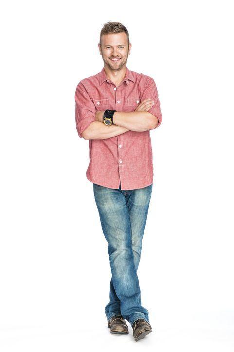 (2. Staffel) - Gibt sein Bestes, um den Designer perfekt zu unterstützen: Schreiner Matt Muenster ... - Bildquelle: Warner Bros.