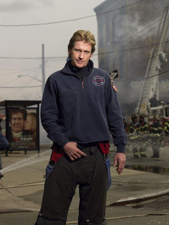 (3. Staffel) - Muss einige Schicksalsschläge meistern: Tommy (Denis Leary) ... - Bildquelle: SONY 2006 CPT Holdings, Inc. All Rights Reserved.