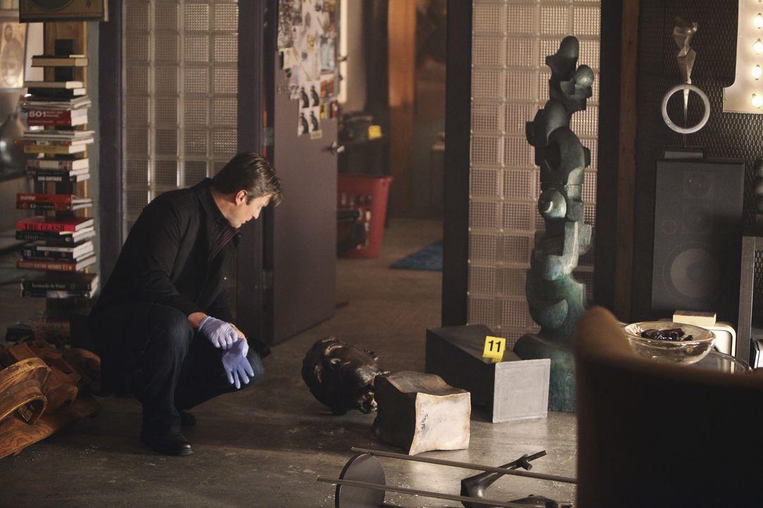 Am Tatort macht Richard Castle (Nathan Fillion) eine interessante Entdeckung ... - Bildquelle: 2010 American Broadcasting Companies, Inc. All rights reserved.