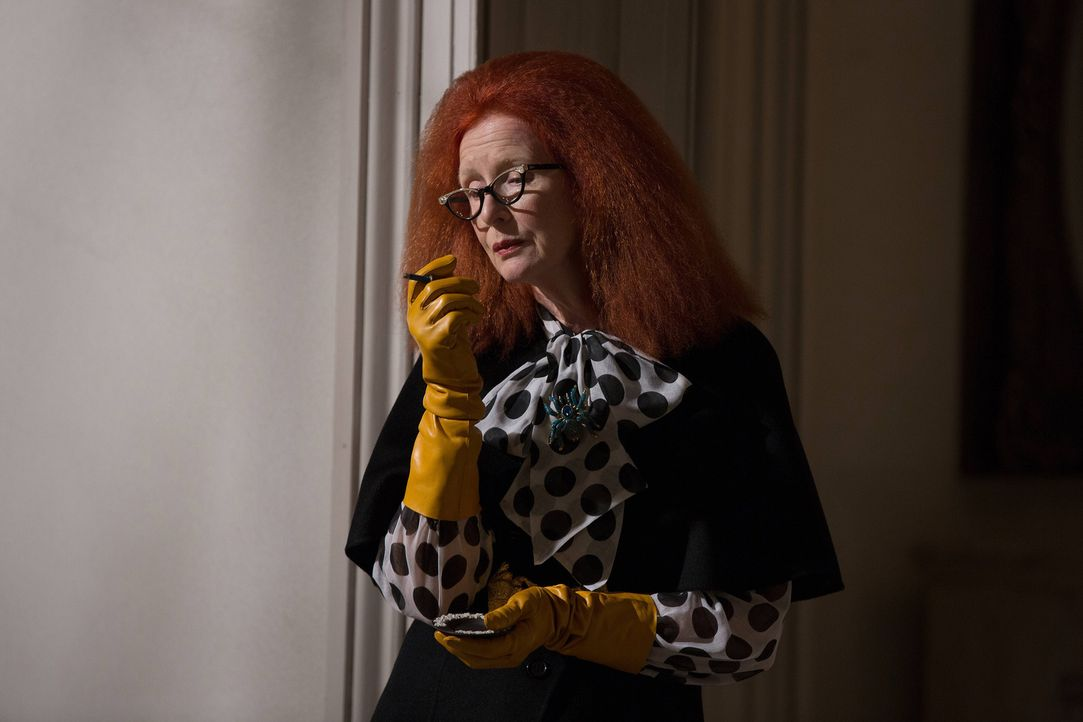 Myrtle (Frances Conroy) gibt Zoe einen wichtigen Ratschlag, nachdem Cordelia für den Zirkel ein großes Opfer erbracht hat ... - Bildquelle: 2013-2014 Fox and its related entities. All rights reserved.