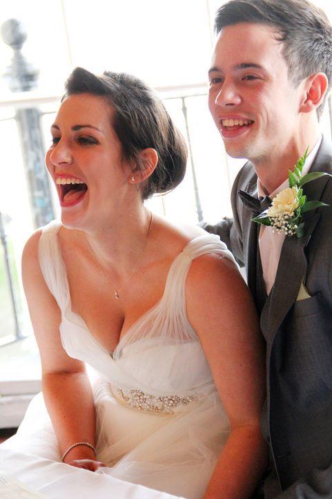 Während James seiner Verlobten Daisy einen wunderschönen ersten Muttertag bescheren möchte, mischt sich seine zukünftige Schwiegermutter in alles ei... - Bildquelle: Jodie Herbage