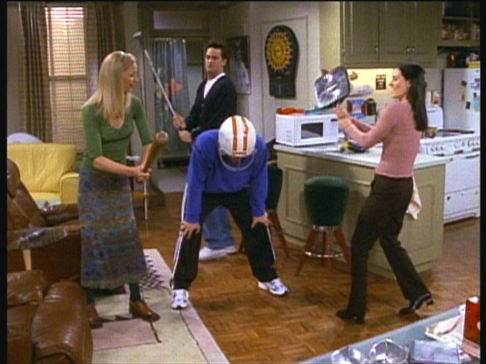 Joey (Matt LeBlanc, vorne M.) feiert mit Phoebe (Lisa Kudrow, l.), Monica (Courteney Cox, r.) und Chandler (Matthew Perry, hinten) auf seine Weise d... - Bildquelle: TM+  2000 WARNER BROS.