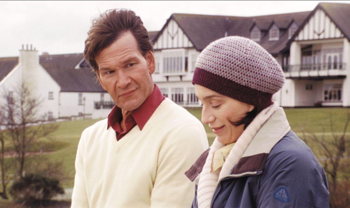 Gloria (Kristin Scott Thomas, r.) fühlt sich im ländlichen Idyll von ihrem Mann vernachlässigt und stürzt sich in eine Liebesaffäre mit ihrem s... - Bildquelle: Constantin Film