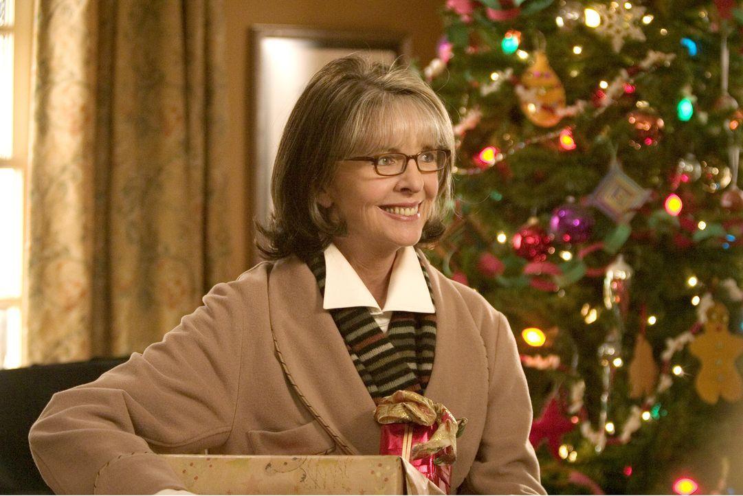Eigentlich hat Sybil (Diane Keaton) nur einen Wunsch fürs Weihnachtsfest: Ihre ganze Familie soll glücklich vereint die Feiertage verbringen, doch n... - Bildquelle: 2005 Twentieth Century Fox Film Corporation. All rights reserved.