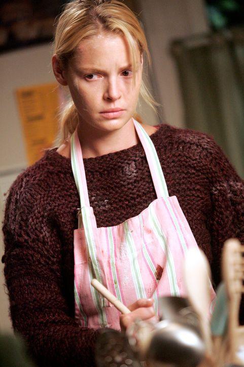 Nach Dennys Tod ist Izzie (Katherine Heigl) am Boden zerstört und versucht sich mit Muffinbacken abzulenken ... - Bildquelle: Touchstone Television