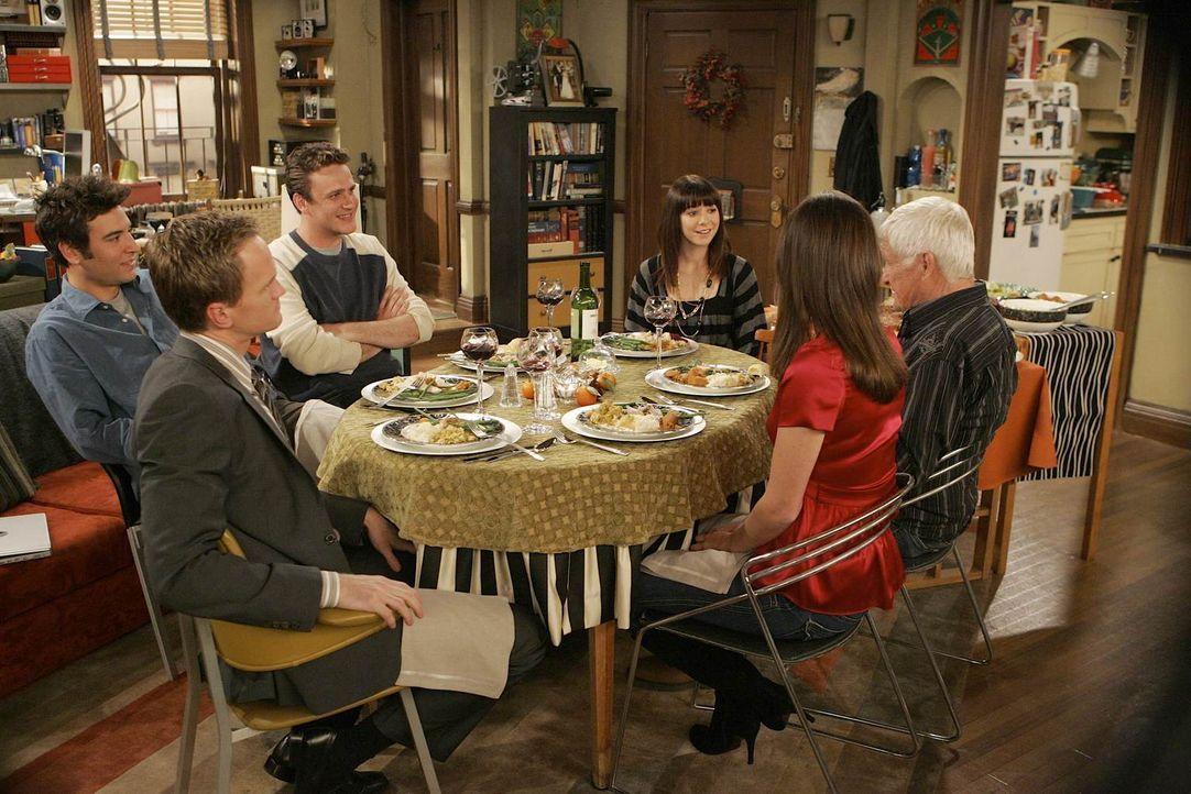 Anfangs ist die Stimmung der Thanksgivingsfeier auf dem Tiefpunkt, doch dann reißen sich alle zusammen und letztlich wird es noch ein wunderschönes... - Bildquelle: 20th Century Fox International Television