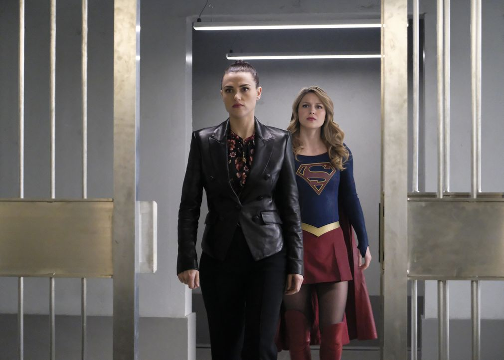 Lena (Katie McGrath, l.); Kara alias Supergirl (Melissa Benoist, r.) - Bildquelle: Bettina Strauss 2018 The CW Network, LLC. All Rights Reserved.