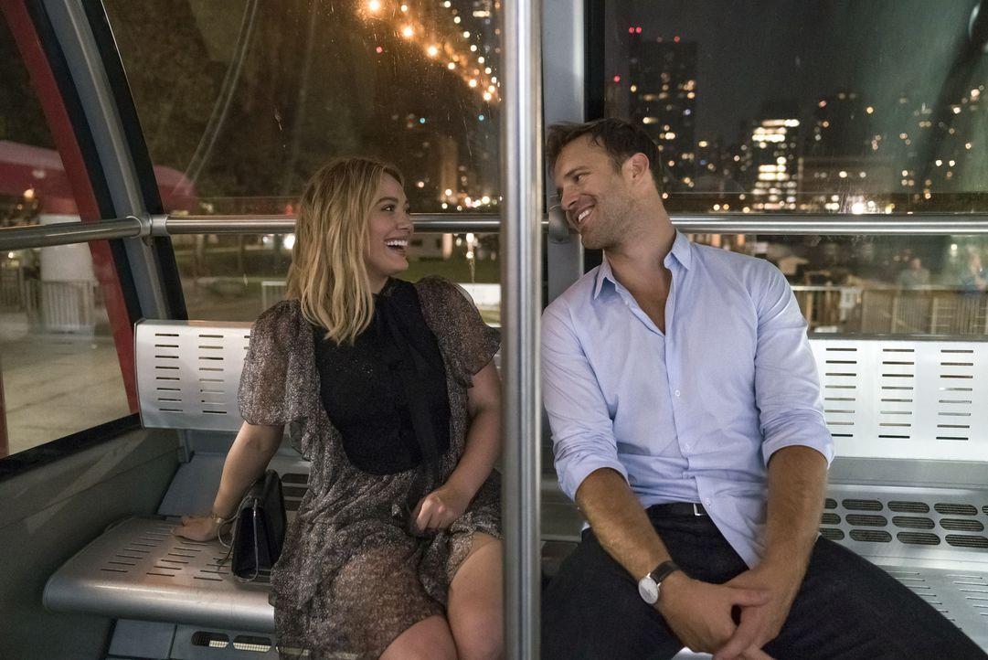 Kelsey (Hilary Duff, l.); Lucas (Sean Kleier, r.) - Bildquelle: Hudson Street Productions Inc 2016