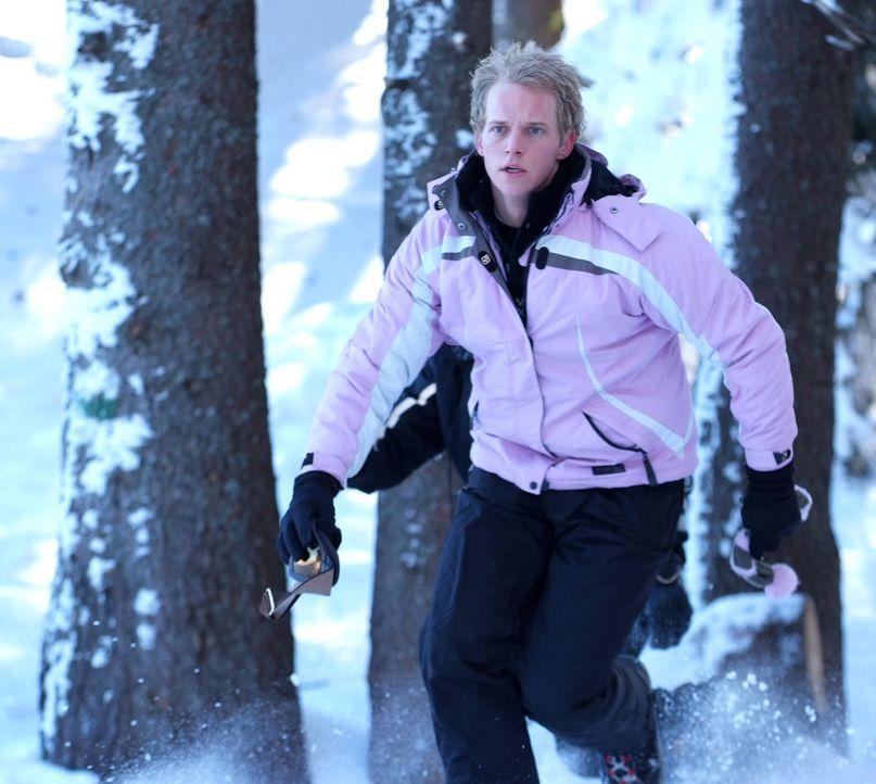 Versucht alles, damit er mit seiner Prinzessin schöne Flitterwochen verbringen kann: Prinz Edvard von Dänemark (Luke Mably) ... - Bildquelle: Nu Image Films