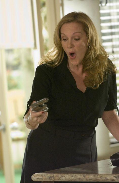 Will sich an Silas rächen: Celia (Elizabeth Perkins) ... - Bildquelle: Lions Gate Television