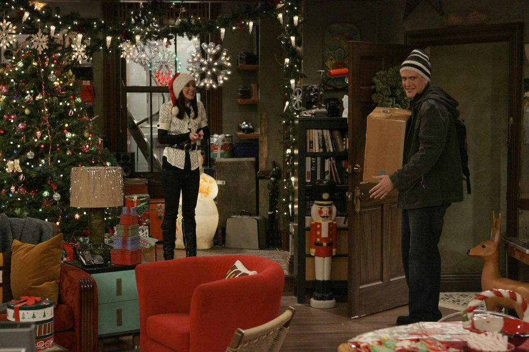 Heiligabend steht vor der Tür, und Lily (Alyson Hannigan, l.) bereitet alles perfekt für das Fest vor. Doch dann kommt es plötzlich zum Streit zwisc... - Bildquelle: 20th Century Fox International Television