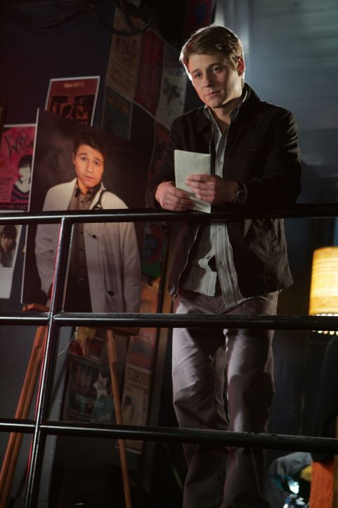 Ryan (Benjamin McKenzie) wird 18! Die Cohens wollen für ihn eine Party organisieren, doch dem jungen Mann ist nach der Trennung von Marissa eigentl... - Bildquelle: Warner Bros. Television