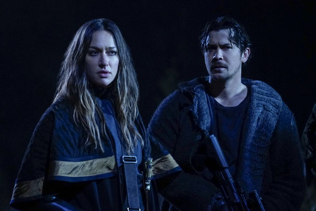 Echo (Tasya Teles, l.); Bellamy Blake (Bob Morley, r.) - Bildquelle: Sergei Bachlakov 2019 The CW Network, LLC. All rights reserved / Sergei Bachlakov
