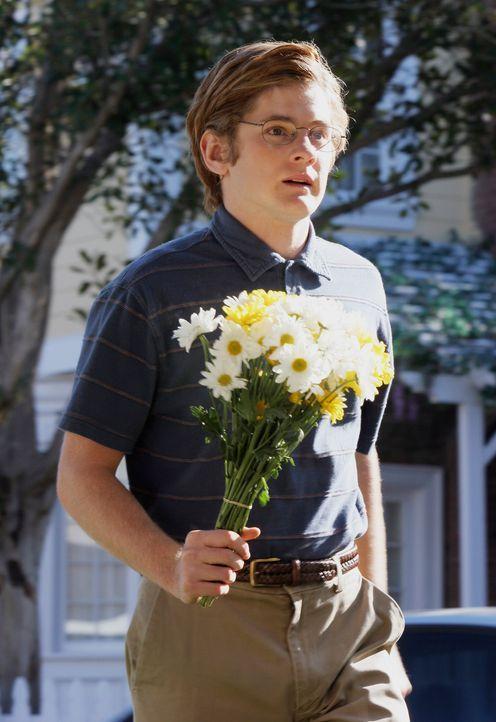 Überrascht Gabrielle mit einem Geständnis seiner Liebe: Zach Young (Cody Kasch) ... - Bildquelle: 2005 Touchstone Television  All Rights Reserved
