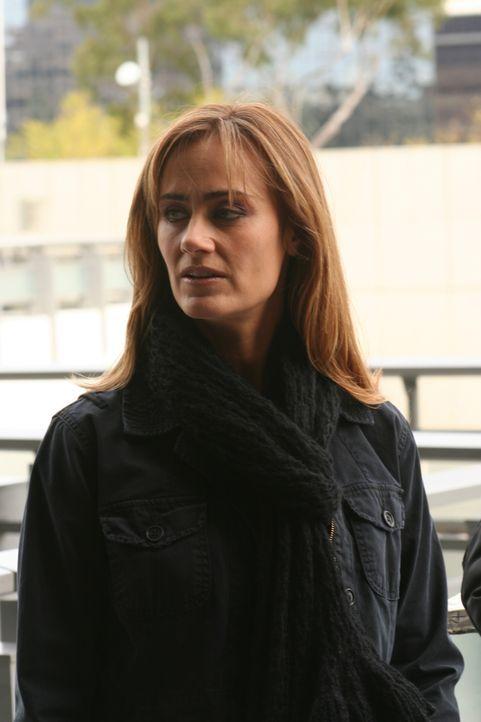 Gemeinsam mit Don, versucht Megan Reeves (Diane Farr) einen neuen Fall zu lösen, doch das erweist sich als durchaus schwierig ... - Bildquelle: Paramount Network Television