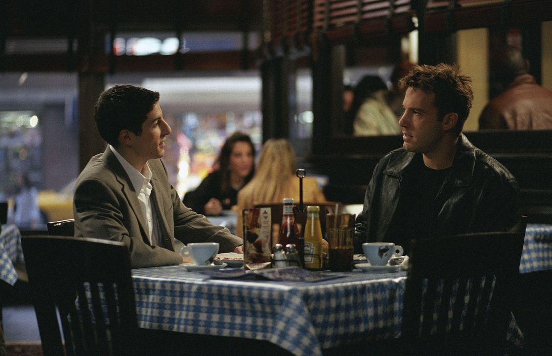 Arthur Brickman (Jason Biggs, l.) und Ollie (Ben Affleck, r.) ... - Bildquelle: Peter Sorel Miramax Films. All rights reserved