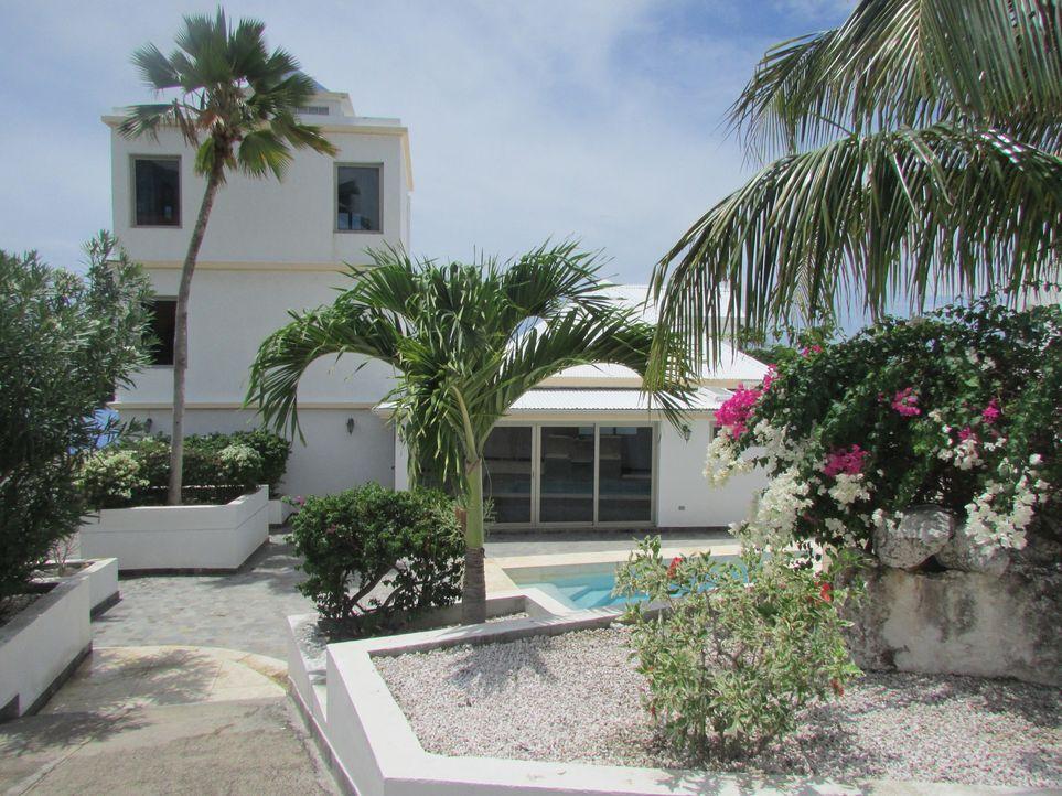 Das perfekte Haus für Cliff und Janine Peek in Sint Maarten zu finden, ist keine leichte Aufgabe. Dieses soll zum einen nah an der französischen Gre... - Bildquelle: 2013, HGTV/Scripps Networks, LLC. All Rights Reserved.