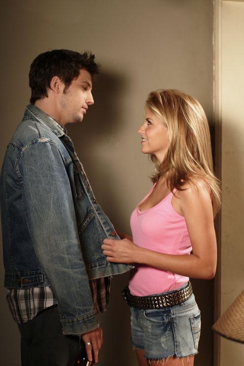 Finden Gefallen aneinander: Trey (Logan Marshall-Green, r.) und Jess (Nikki Griffin, l.) ... - Bildquelle: Warner Bros. Television