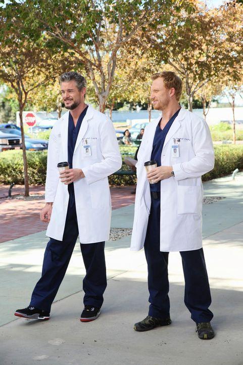 Mark (Eric Dane, l.), Derek und Owen (Kevin McKidd, r.) scheinen das Ganze mit dem Amoklauf nur verarbeiten zu können, indem sie angeben, wie toll s... - Bildquelle: ABC Studios