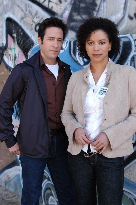 Arbeiten gemeinsam an einem neuen Fall: Erica Weston (Gloria Reuben, r.) und Don (Rob Morrow, l.) ... - Bildquelle: Paramount Network Television