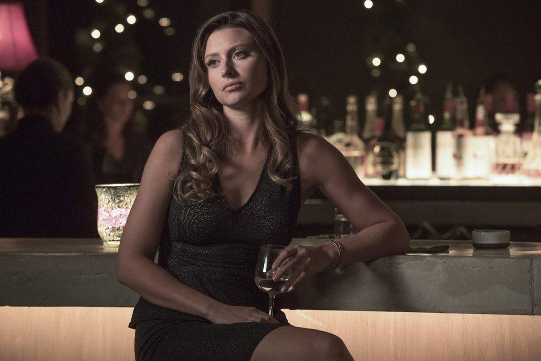 Ravi, Major und Liv hoffen auf Peytons (Aly Michalka) Unterstützung, als sie ein neues Serum, das Ravi entwickelt hat, ausgerechnet an Blaine testen... - Bildquelle: 2017 Warner Brothers
