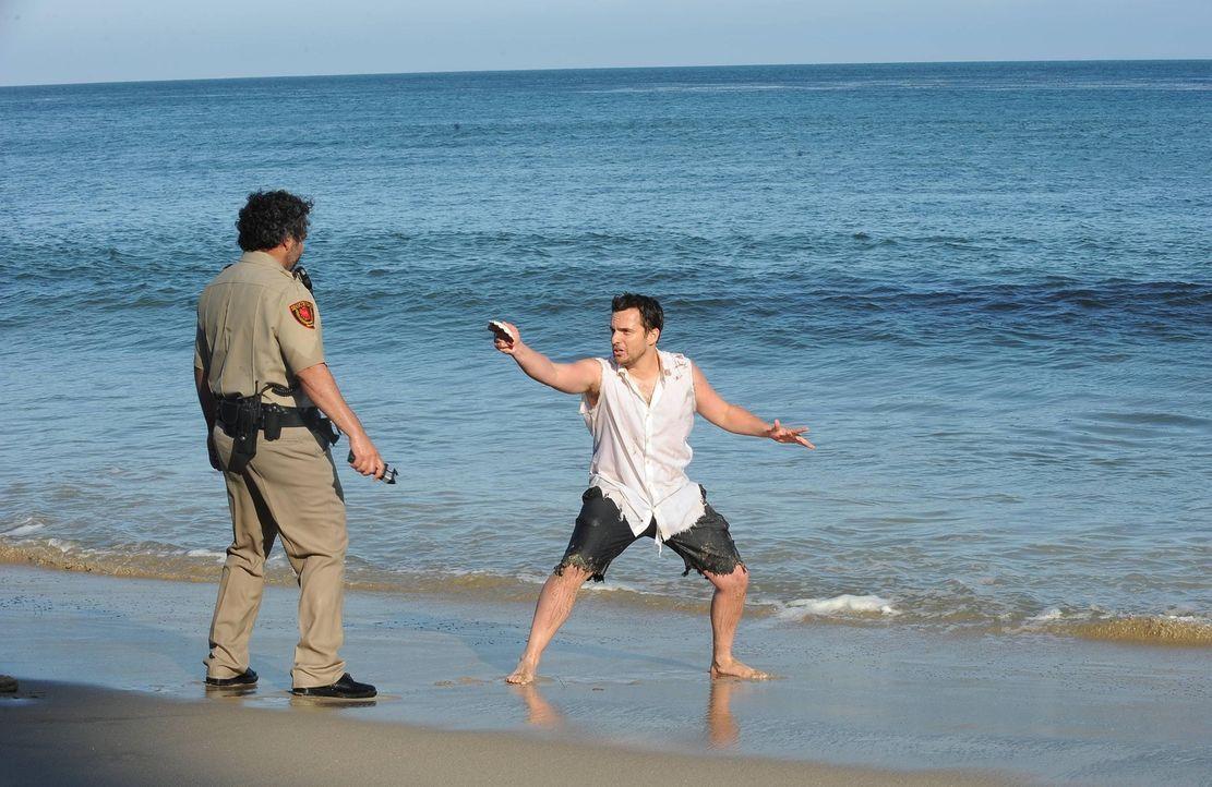 Während sich Schmidt nicht zwischen Cece und Elisabeth entscheiden kann, wird Nick (Jake Johnson, r.) in Mexiko verhaftet ... - Bildquelle: TM &   2013 Fox and its related entities. All rights reserved.