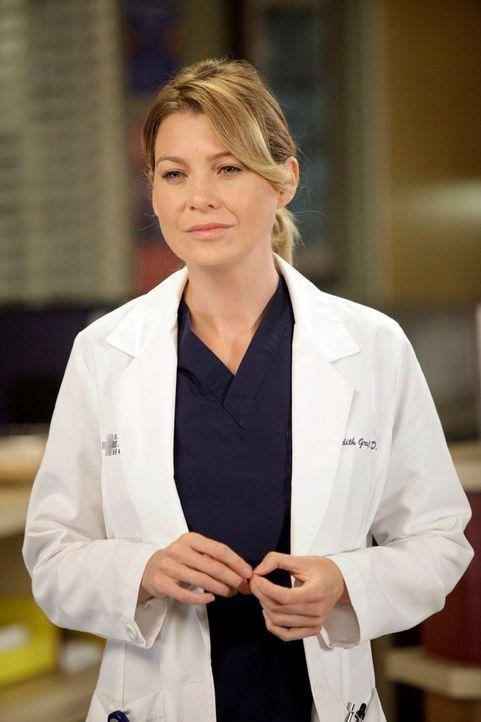 Im Bewusstsein, dass Derek vielleicht nie wieder in der Lage sein wird, zu operieren, hört Meredith (Ellen Pompeo) damit auf, von den Operationen zu... - Bildquelle: ABC Studios