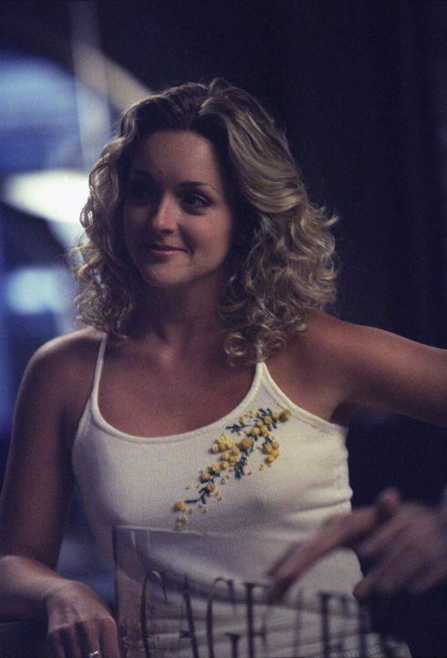Elaine (Jane Krakowski) gibt gerne Ratschläge, ganz egal, ob diese gut sind oder nicht ... - Bildquelle: 1999 Twentieth Century Fox Film Corporation. All rights reserved.