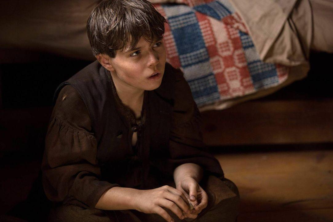Der Waisenjunge Stephen (Braden Fitzgerald) weckt Johns Interesse, als er hört, dass die Eltern des Jungen von Eingeborenen umgebracht wurden und ke... - Bildquelle: 2013-2014 Fox and its related entities.  All rights reserved.