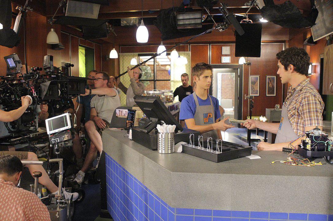 """Bei den Dreharbeiten zu """"Kyle XY"""" ... - Bildquelle: TOUCHSTONE TELEVISION"""