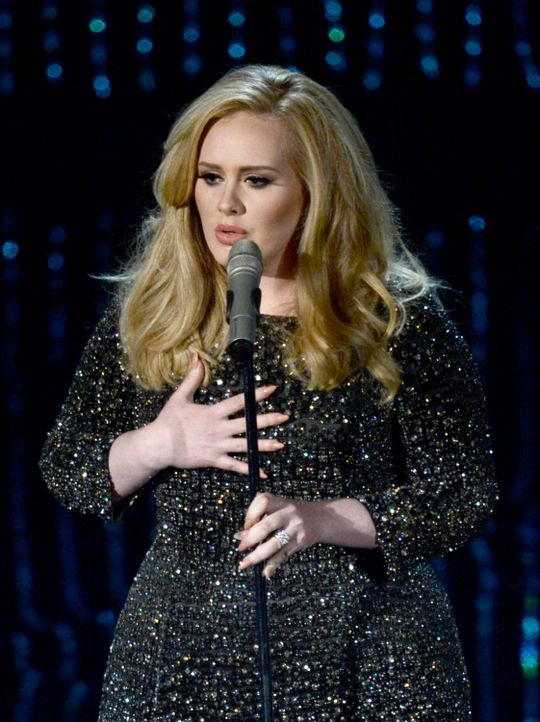 Adele performed bei der Oscar Verleihung 2013 - Bildquelle: AFP