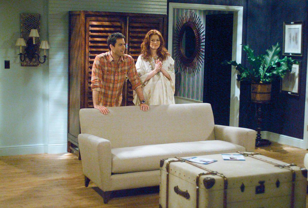 Will (Eric McCormack, l.) und Grace (Debra Messing, r.) verfolgen einen gewieften Plan: Wohnungen günstig zu kaufen, günstig zu renovieren und nicht... - Bildquelle: Chris Haston NBC Enterprises International
