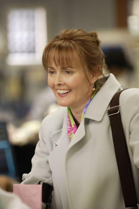 Kerry Weaver (Laura Innes) eröffnet ihren Kollegen, dass Susan Lewis nicht ans County zurückkommen wird, da sie einen 10-Jahres-Vertrag an einer and... - Bildquelle: Warner Bros. Television