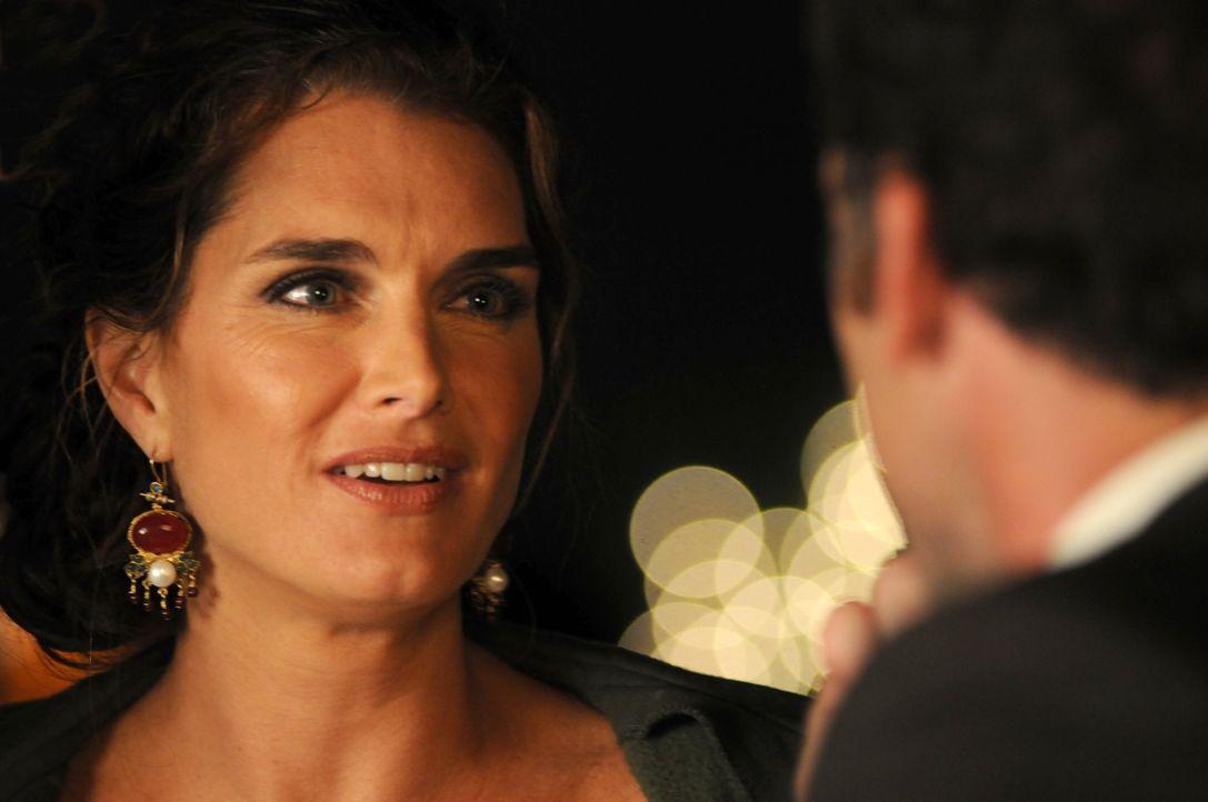 Wendy (Brooke Shields, l.) ist mit den beruflichen Höhenflügen ihres Mannes Shane (Paul Blackthorne, r.) vollkommen überfordert. Als sie auch noch s... - Bildquelle: NBC, Inc.