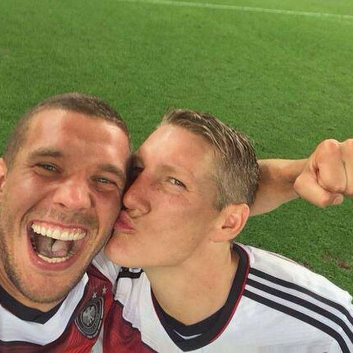 Die schönsten Selfies des WM-Sieges: Schweinsteiger und Podolski auf dem Rasen - Bildquelle: Instagram
