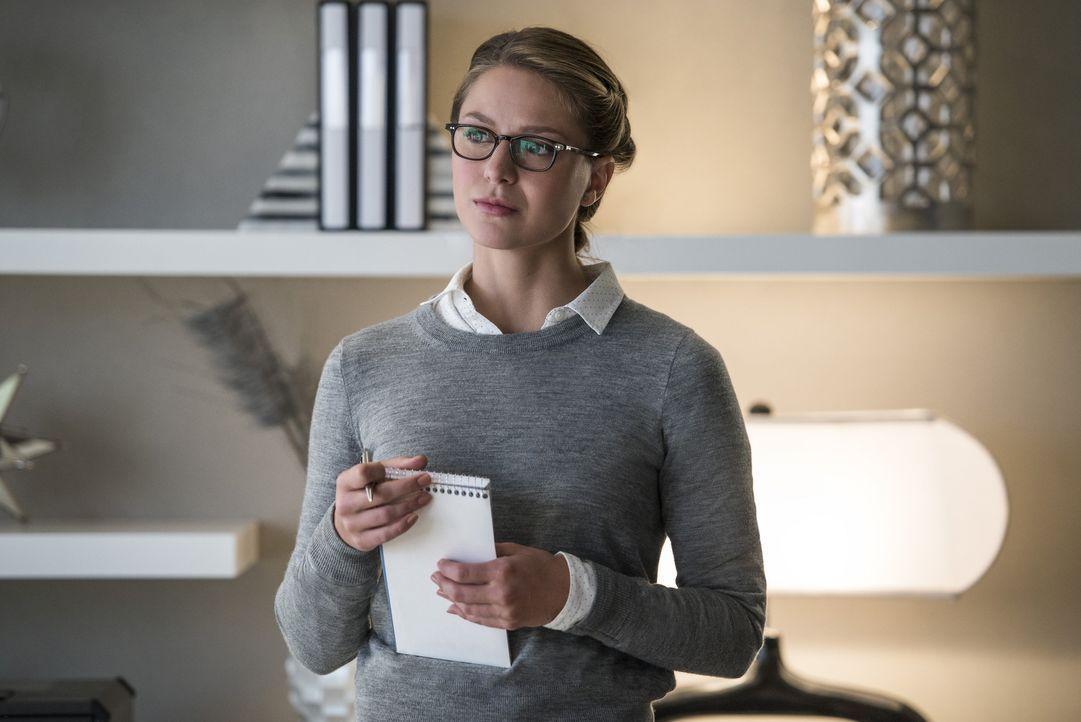 Muss ihr Doppelleben als Angestellte eines Medienunternehmens und als Superheldin unter einen Hut bekommen: Supergirl Kara (Melissa Benoist) ... - Bildquelle: 2016 Warner Bros. Entertainment, Inc.
