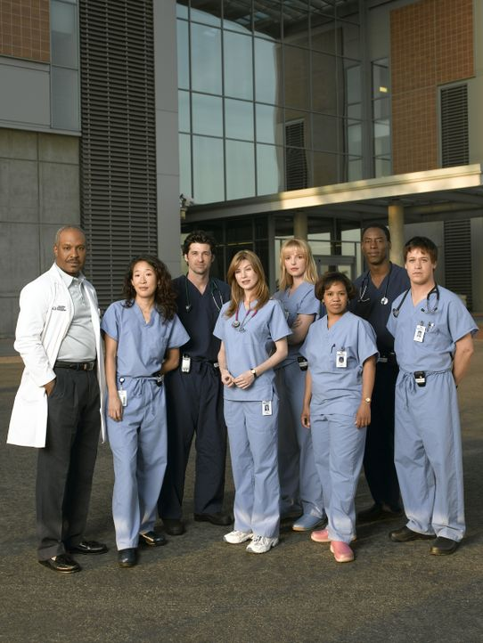 (1. Staffel) - Das Team des Seattle Grace Hospitals: (V.l.n.r.) Dr. Richard Webber (James Pickens, Jr.), Dr. Cristina Yang (Sandra Oh), Dr. Derek Sh... - Bildquelle: Touchstone Television