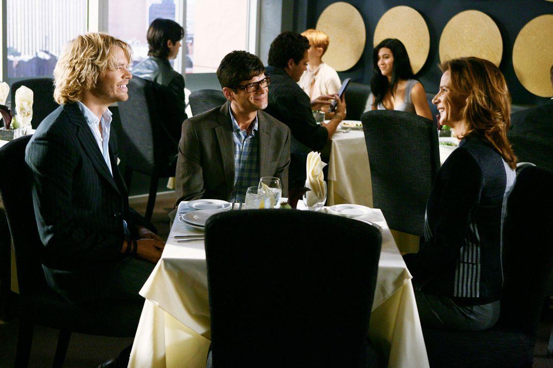 Das Bewerbungsgespräch kann kaum besser laufen: Kyle DeWitt (Eric Christian Olsen, l.), Ethan Travis (Will McCormack, M.) und Sarah (Rachel Griffith... - Bildquelle: 2008 ABC INC.