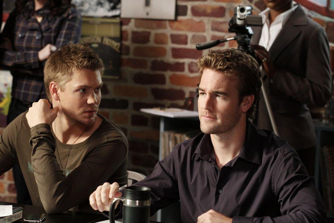 Lucas (Chad Michael Murray, l.) ist standing mit dem Casting zu seinem Film beschäftigt. Reese Dixon (James Van Der Beek, r.) versucht ihn dazu zu b... - Bildquelle: Warner Bros. Pictures