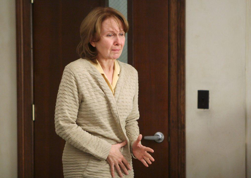 Als ihre Erinnerungslücken gefüllt werden, bricht Ellis (Kate Burton) zusammen und wird ins Seattle Grace eingeliefert ... - Bildquelle: Touchstone Television