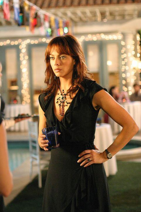 Auf Julie (Melinda Clarke) wartet ein neues Problem ... - Bildquelle: Warner Bros. Television