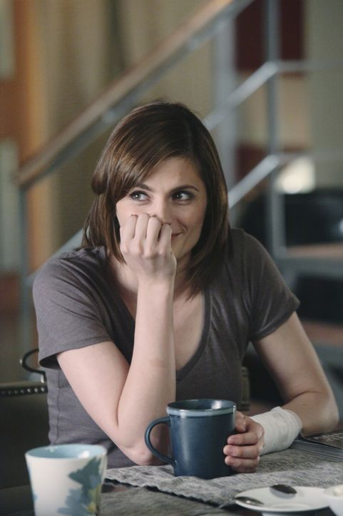 Nachdem ihre Wohnung vollständig zerstört ist, zieht Kate Beckett (Stana Katic) vorübergehend bei Richard Castle ein. - Bildquelle: ABC Studios