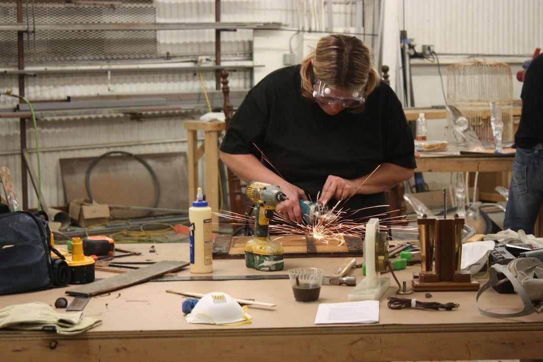 Aus alt mach neu: In der Werkstatt wird den Flohmarktschätze neues Leben eingehaucht ... - Bildquelle: 2012, HGTV/ Scripps Networks, LLC. All Rights Reserved.