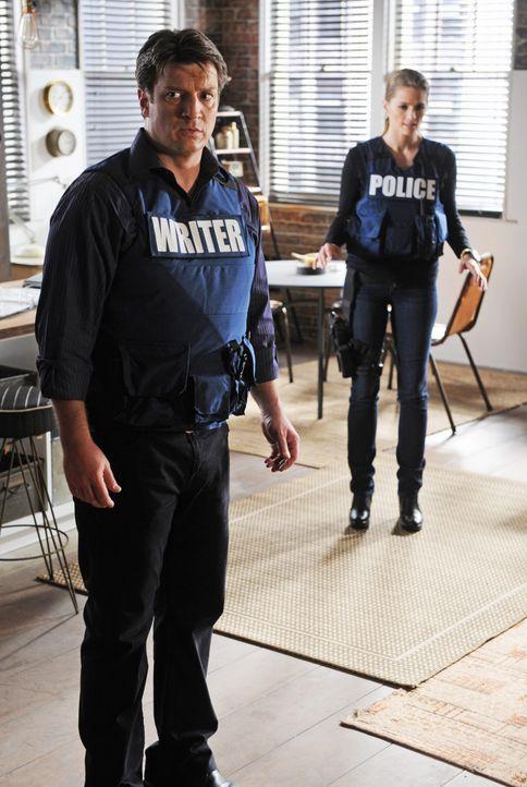 Ein Bombenleger macht Castle (Nathan Fillion, l.) und Beckett (Stana Katic, r.) das Leben schwer ... - Bildquelle: ABC Studios